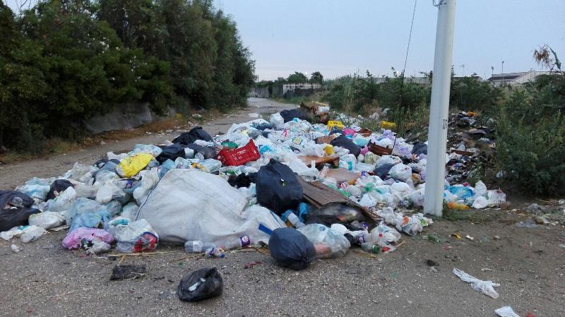 rifiuti-mondragone-strada