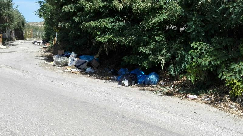 rifiuti-mondragone-via-appia-antica