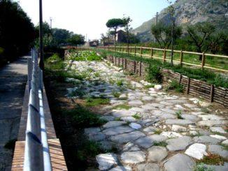 scavi archeologici mondragone
