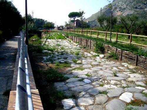 appia_antica mondragone
