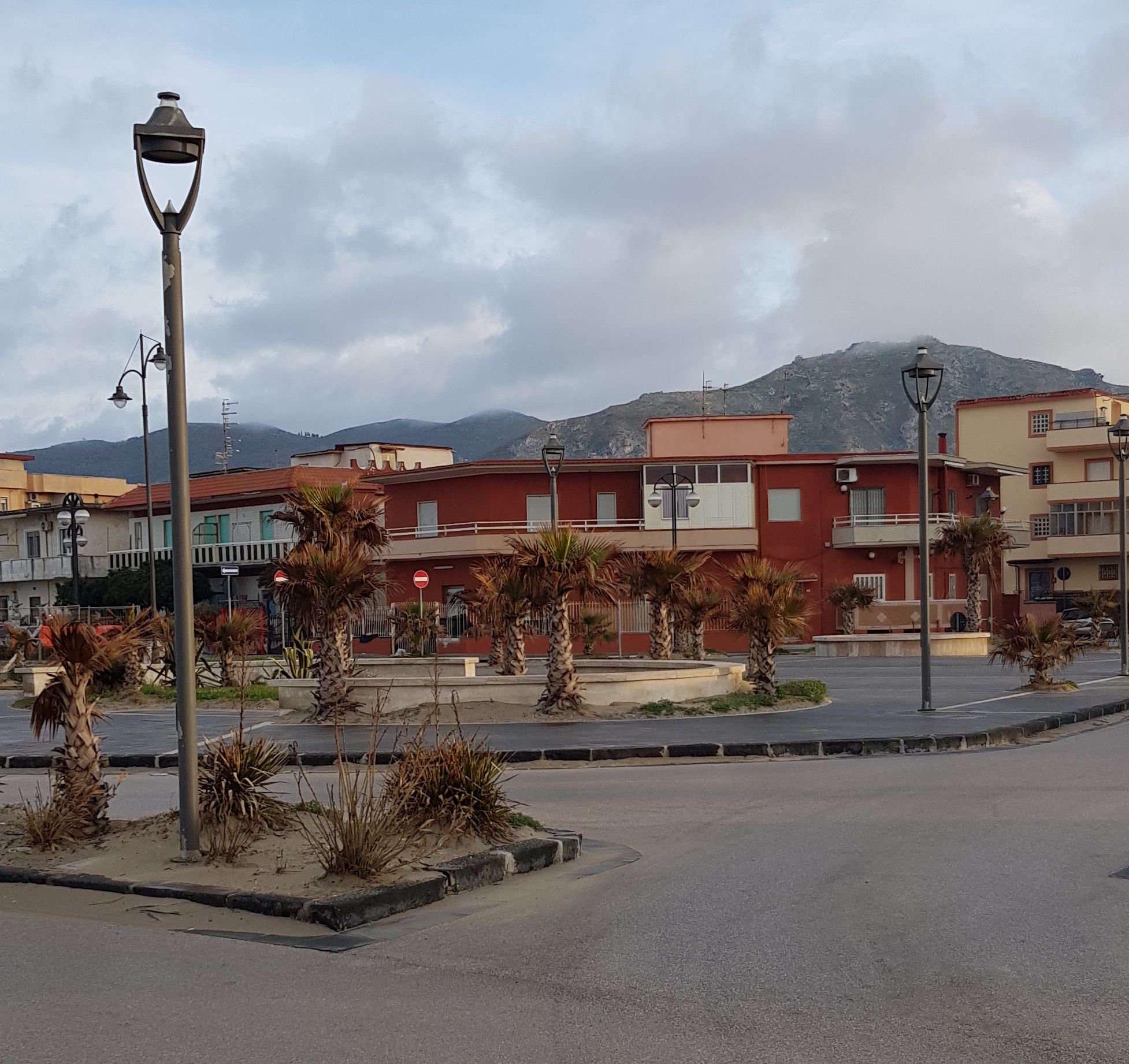 piazza-del-popolo-mondragone